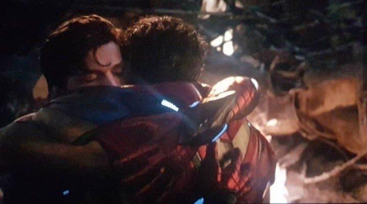 Image result for tony hugs spiderman endgame